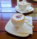 Kop van koffie op houten lijst, Hoogste mening een kop van koffie Royalty-vrije Stock Afbeelding
