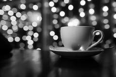 Kop van koffie op houten lijst in thakoffie Royalty-vrije Stock Foto