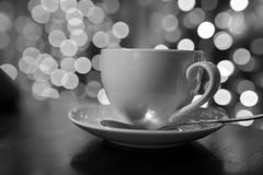 Kop van koffie op houten lijst in thakoffie Royalty-vrije Stock Fotografie