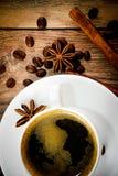 Kop van Koffie op Woody Background in Retro Wijnoogst Royalty-vrije Stock Fotografie