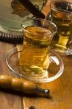Kop van Turkse thee en waterpijp Royalty-vrije Stock Afbeeldingen