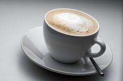 Kop van witte koffie Stock Foto's