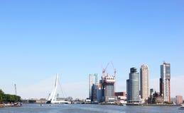 Kop van Zuid和Erasmusbridge,鹿特丹,荷兰 库存照片