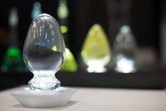 Kopalna substancja w przejrzystych szklanych zbiornikach Zdjęcie Royalty Free