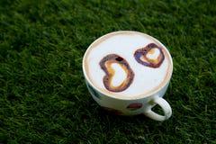 Kopcappucino met gevormd hart stock fotografie