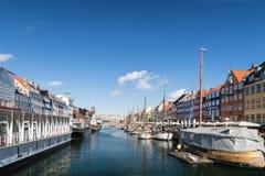 Kopenhaga Dani, Kwiecień, - 30, 2017: Nyhavn xvii wiek harb Obrazy Royalty Free