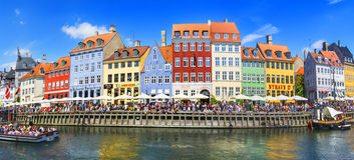 KOPENHAGA DANI, LIPIEC, - 07: Nyhavn okręg w Kopenhaga Dani Zdjęcie Stock