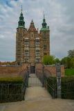 KOPENHAGA DANI, MAJ, - 6, 2016: Rosenburg kasztel w Kopenhaga, Dani na częsciowo chmurnym dniu w wczesnej wiośnie Obrazy Royalty Free
