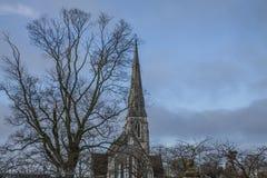 Kopenhaga, Dani niebieskie nieba i kościół - fotografia stock