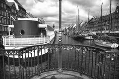 KOPENHAGA DANI, SIERPIEŃ, - 15, 2016: Czarny i biały fotografia, bo Zdjęcia Stock