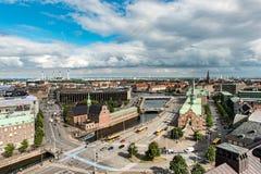 KOPENHAGA DANI, SIERPIEŃ, - 25, 2015: Parlamentu pałac w Kopenhaga i Bosen xvii wiek giełda papierów wartościowych w centrum Podo Obrazy Stock