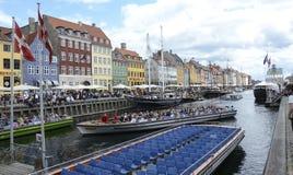 Kopenhaga kanałowe łodzie, Nyhavn obrazy royalty free