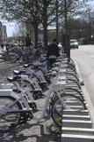 KOPENHAGA miasta ELEKTRYCZNI rowery Zdjęcie Stock