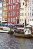 KOPENHAGA, WRZESIEŃ - 07: Jachty w NYHAVN na Wrześniu 07, 201 Obraz Stock