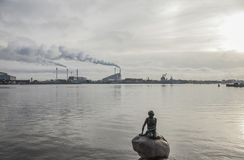 Kopenhagen, Dänemark - die kleine Meerjungfrau-Statue Stockfotos