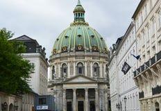 KOPENHAGEN, DENEMARKEN - MEI 31, 2017: De Kerk Frederiks Kirke van Frederik ` s als de Marmeren Kerk Marmorkirken algemeen wordt  stock foto