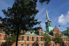 Kopenhagen in Denemarken met beroemde gebouwen en plaatsen stock foto's