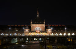 Kopenhagen-Hauptbahnhof Københavns Hovedbanegård abend Lizenzfreie Stockfotografie