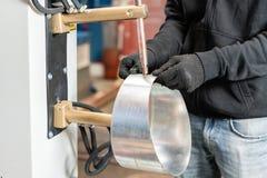 Koperelektroden, werkend deel van de machine voor vleklassen van metaal de productie van ventilatie en goten stock foto's