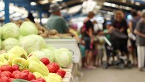 Kopers bij Markt stock videobeelden