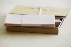 Koperty i papierowy materiały wynosili widoku studia strzał Obraz Stock