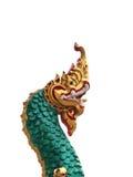 Kopf der goldenen Naga-Statue Lizenzfreies Stockfoto