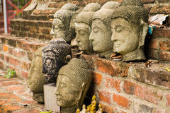Kopf des Sandsteins Buddha Lizenzfreie Stockfotos