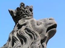 Kopf einer Löwestatue Stockfotos