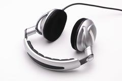 Kopfhörer auf einem weißen Hintergrund Lizenzfreies Stockfoto