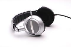 Kopfhörer auf einem weißen Hintergrund Lizenzfreie Stockfotografie