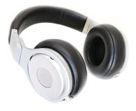 Kopfhörer lokalisiert im Weiß lizenzfreies stockfoto