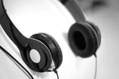 Kopfhörerschwarzweiss-Ton Lizenzfreies Stockfoto
