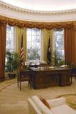 Kopia av det ovala kontoret för Vita hus på Ronald W Reagan Presidential Library Royaltyfri Foto