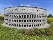 Kopian av Colosseum Rome, Italien, miniatyr parkerar, Inwald, Polen arkivfoto