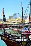 kopian piratkopierar skeppet i den Benalmadena marina, Costa del Sol, Spanien Arkivbilder