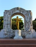 Kopiastaty av Johann Strauss royaltyfri foto