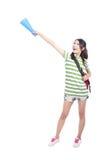 kopiera den tomma handen som pekar avståndsdeltagaren till kvinnan Arkivfoton