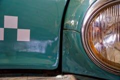 Koplamp van antieke oude auto, detail op de koplamp van een uitstekende auto Selectieve nadruk royalty-vrije stock foto's