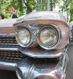 Koplamp van de oude Amerikaanse auto bij de show van de auto's van inzamelingsretrofest stock foto
