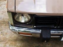 Koplamp van een oude uitstekende auto royalty-vrije stock foto