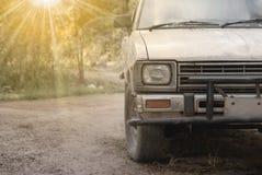 Koplamp van oude auto stock foto's