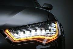 koplamp van prestigieuze autoclose-up stock fotografie