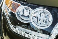 Koplampen en Parkeerlichten van een vrachtwagen, auto royalty-vrije stock afbeeldingen