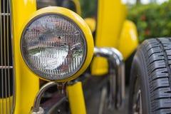 Koplamplamp van retro klassieke auto uitstekende stijl Stock Afbeelding