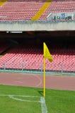 kopnięcie narożnikowa futbolowa piłka nożna zdjęcia stock