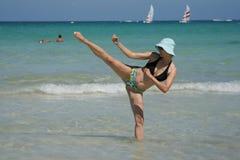 kopnięcie karate. Zdjęcie Royalty Free
