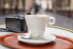 Kopp av coffe på tabellen Fotografering för Bildbyråer