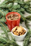 Kopp av dofta kaffe 姜饼干的食谱 Newyear 圣诞节我的投资组合结构树向量版本 库存图片