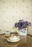 Kopp av Lattekaffe Fotografering för Bildbyråer