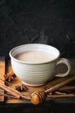 Kopp av masalaen chai Arkivbild